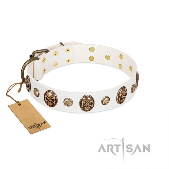 """Fatal Beauty"" FDT Artisan White Leather Bulldog Collar with Old Bronze-like Studs and Oval Brooches"