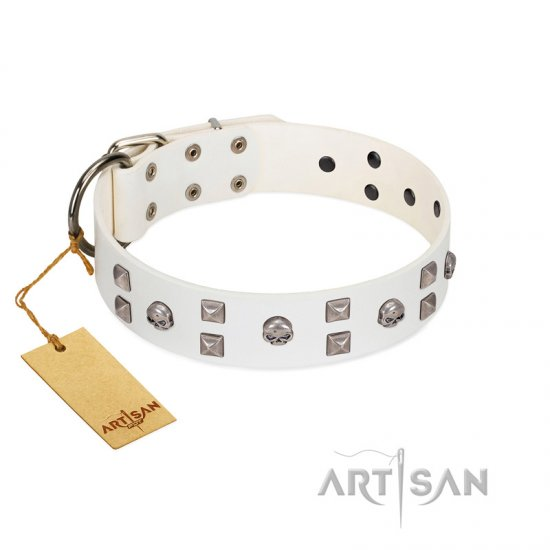 """Rock the Sky"" Durable FDT Artisan White Leather Bulldog Collar with Chrome-plated Decorations"